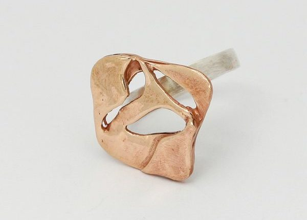 anello bronzo gamba argento